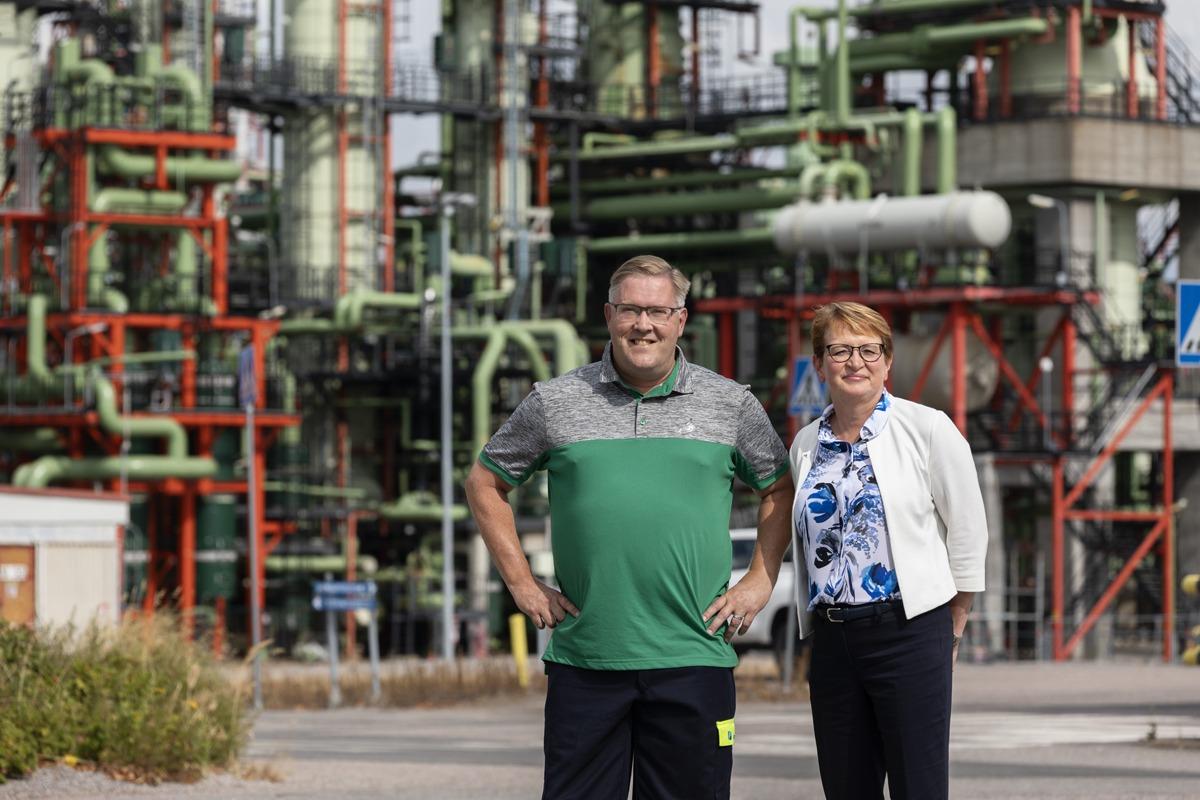 20190808 Porvoo Content House Borealis Polymers Oy, toimitusjohtaja Salla Roni-Poranen ja energiapäällikkö Jari Salonen. Kuva: Ismo Henttonen.